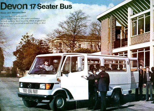 Prospekte Mercedes Benz MB   -  17-Seater-Bus