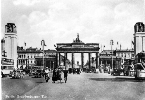 Foto BerlinBrandenb.Tor/Omnibus