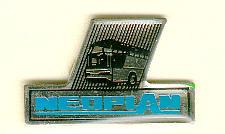 PIN Neoplan-Logo mit Bus -  1993