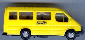 Praline Ford-Transit-Bus  Hertz