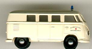 Brekina VW-Bus DRK  LV Berlin